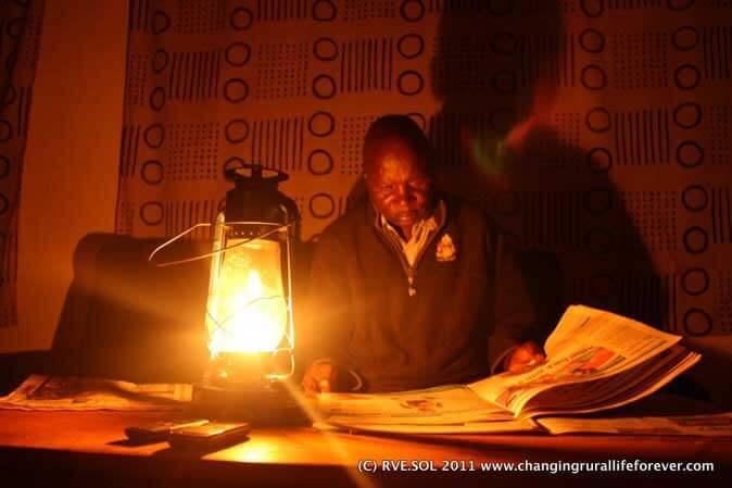 reading-kerosene-lamp